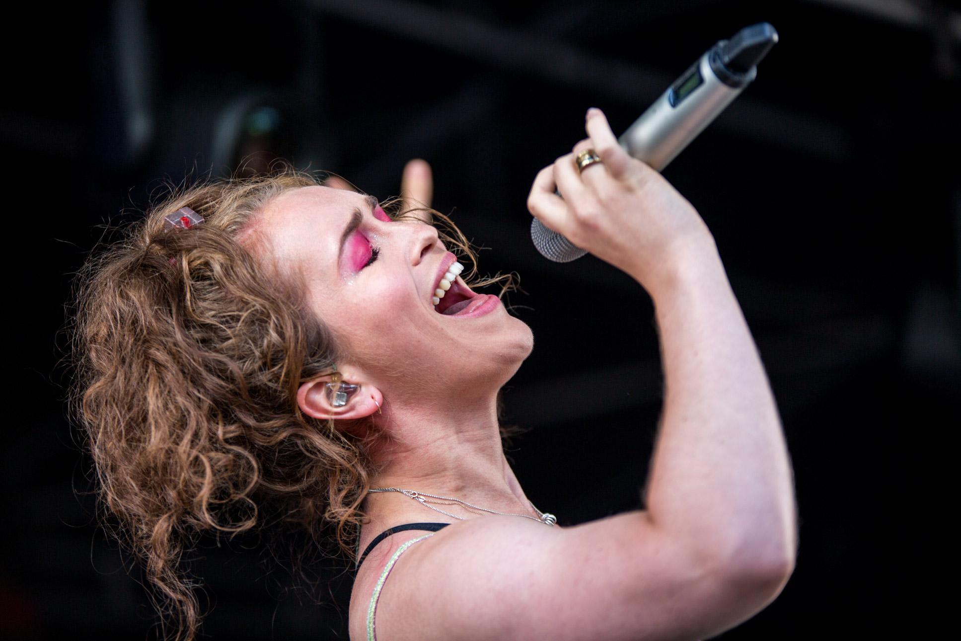 Rae Morris - Tramlines Festival - 21-07-18-4.jpg