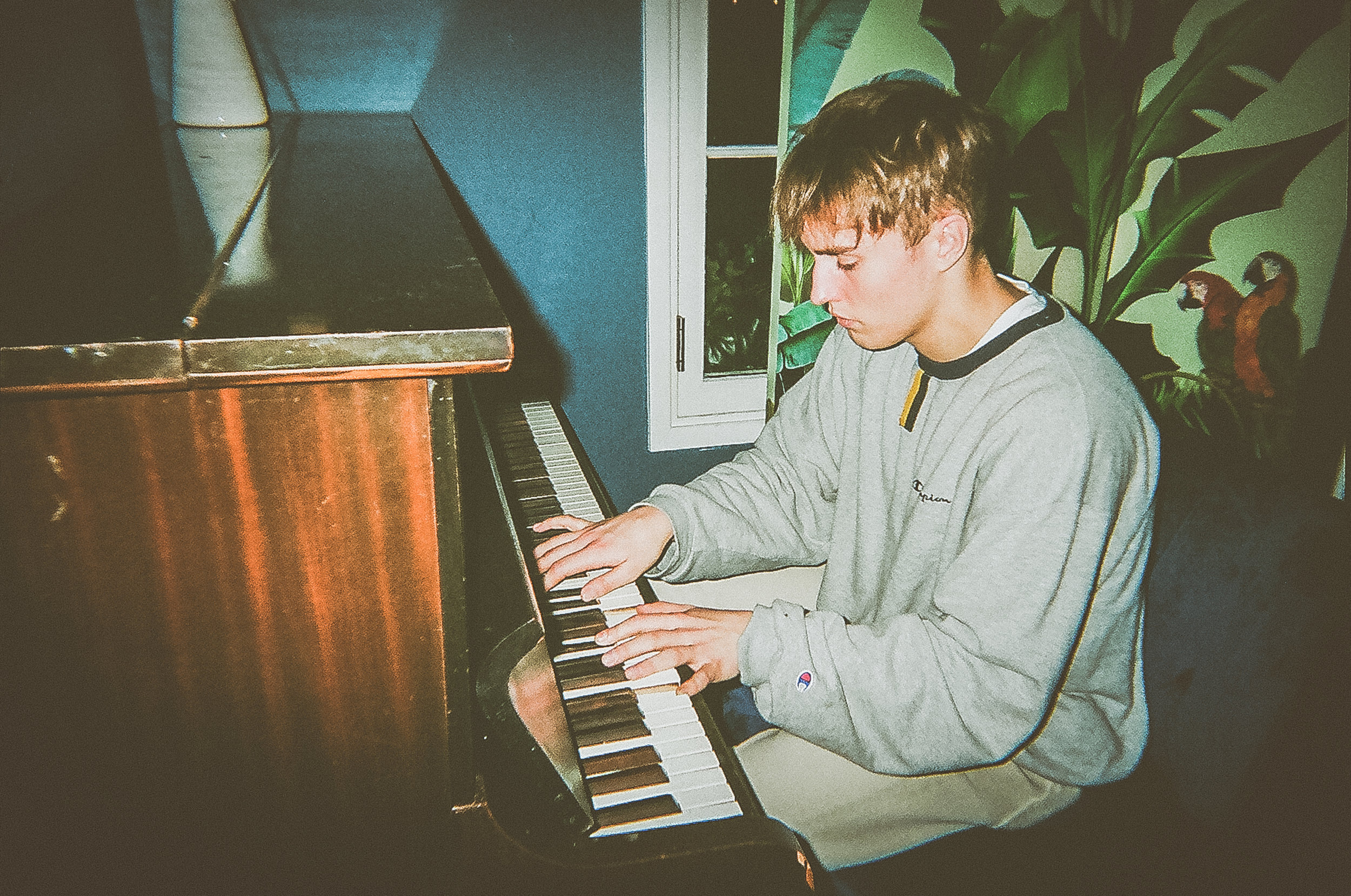 SAM FENDER.- 35mms - ANT ADAMS PHOTO-14.jpg