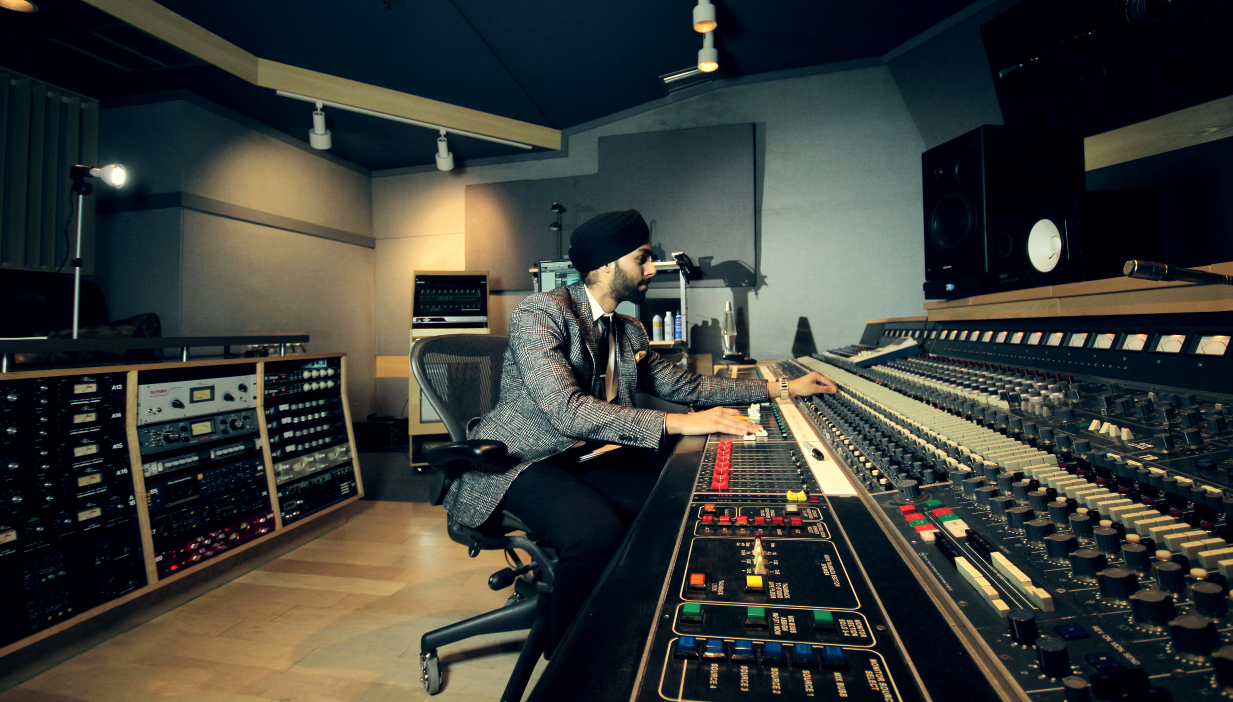 Gagan Singh Mixing Wallpaper EDITED.jpg