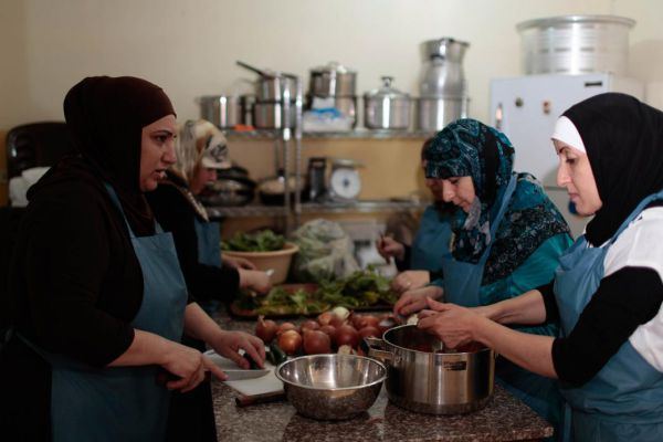 Palestinian Refugees Are Starting an All-Female Food Truck in Lebanon    Vice