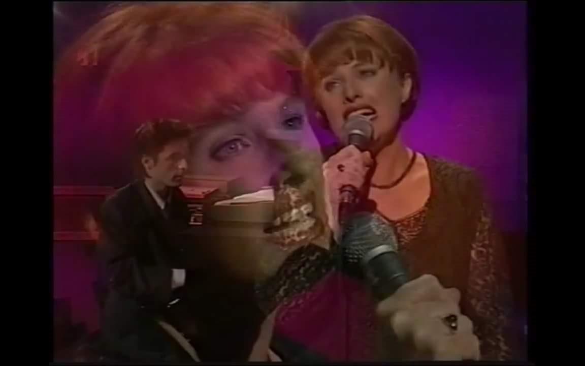 Cindy singing on Good Morning Australia with John Foreman.jpg