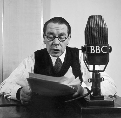 Even in my most proper 1940's BBC radio voice I still got Jones