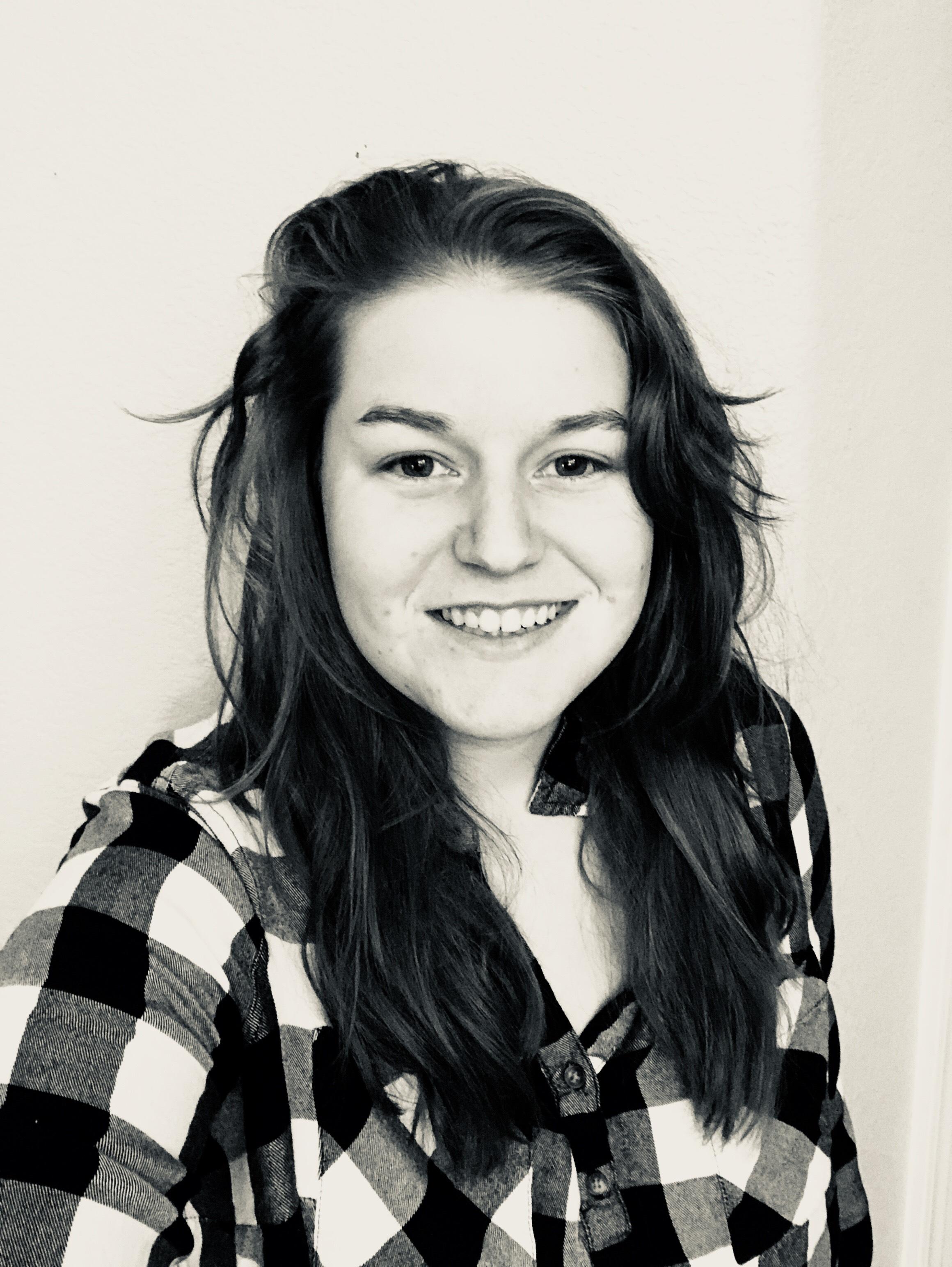 Hannah-Headshot.jpg
