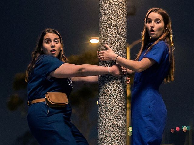 A+ or F? That's the question in H&J's review of Booksmart, the new movie from first-time director Olivia Wilde and starring Beanie Feldstein and Kaitlyn Dever. There's a lot of over-the-top high school shenanigans. And great outfits. And Billie Lourd. Plus, the recipe for the Booksmart cocktail! Link in bio! . . . . . . . . . . #booksmart #oliviawilde #womendirectors #comedies #boozymovies #boozymoviespod #boozymoviespodcast #booksmartmovie #beaniefeldstein #kaitlyndever #billylourd #ladypodsquad #womenwhopodcast #podcasting #moviepodcast