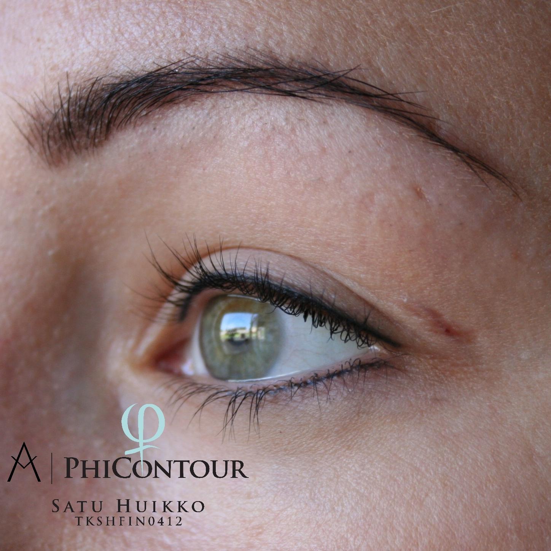 Parantunut eyeliner pigmentointi ylä- ja alaluomella
