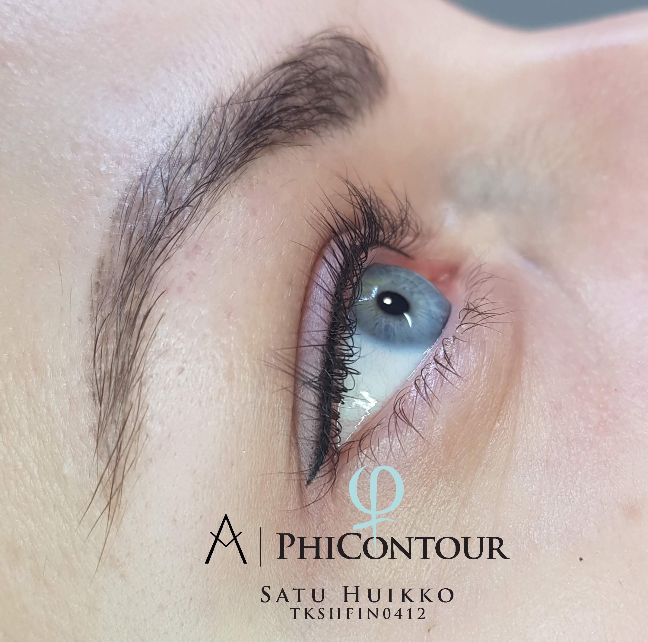 Eyeliner pigmentointi häivytyksellä heti käsittelyn jälkeen.
