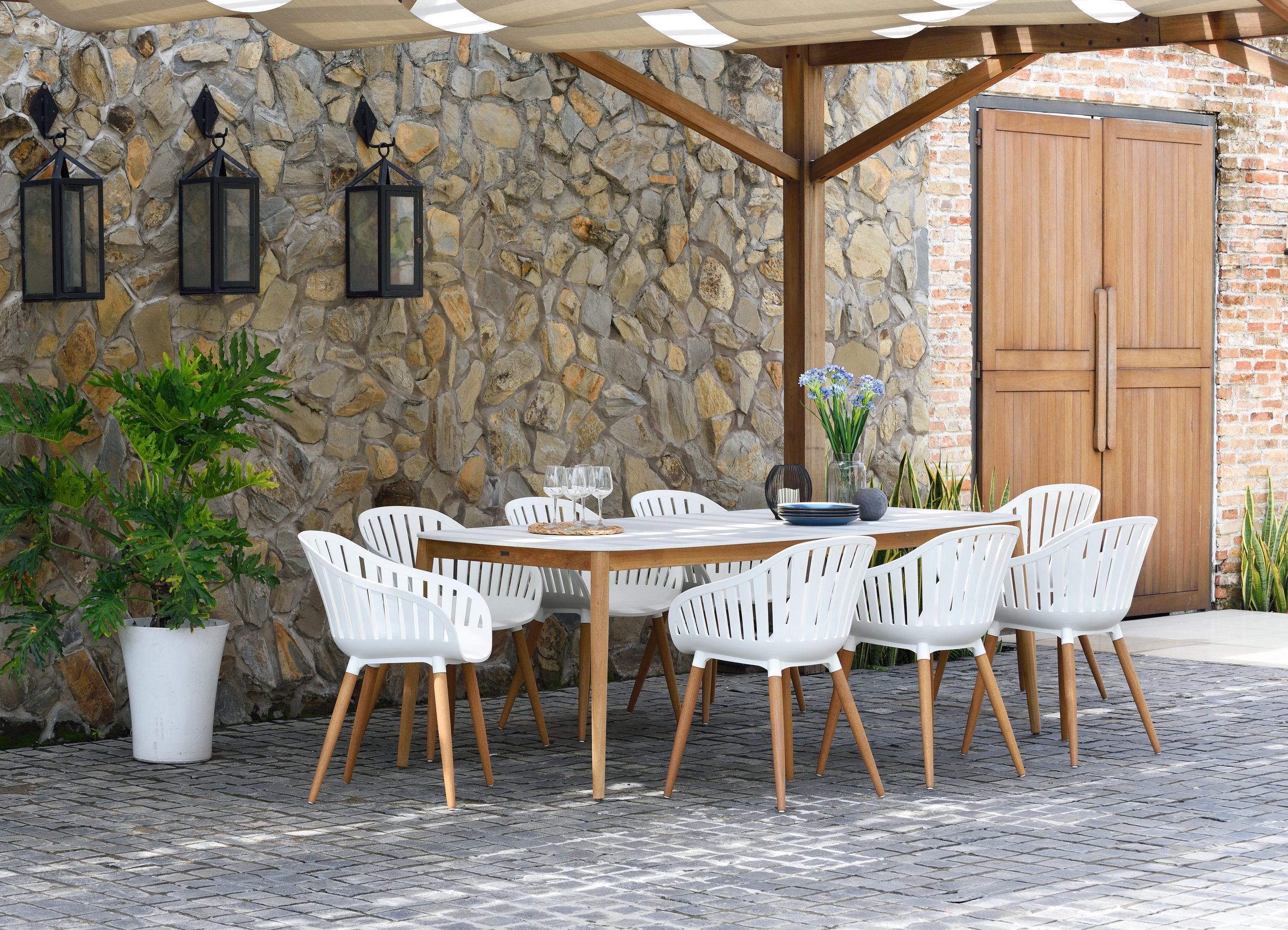 Cannes carver easy chair, Coral Reef rect table 210x100cm, 75h, woph, PAR FSC LOT, PLC WHT, TEA FSC, DRN WHT (2).jpg