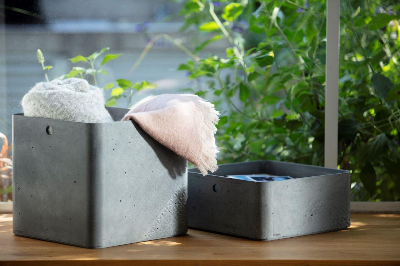 beton 2 size boxes on shelf.JPG
