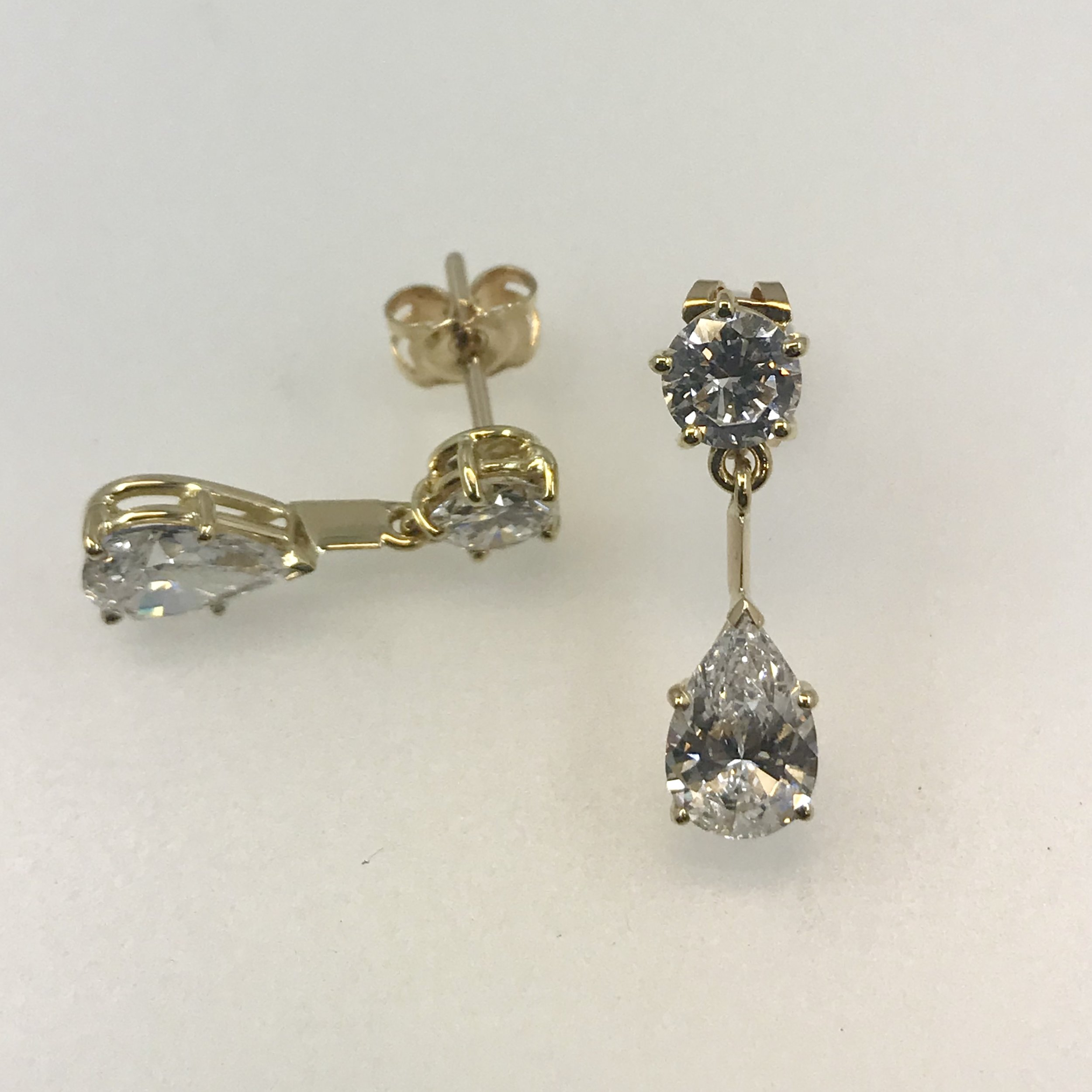 Yellow gold diamond stud and drop earrings - All Valuations include a comprehensive appraisal of each item.