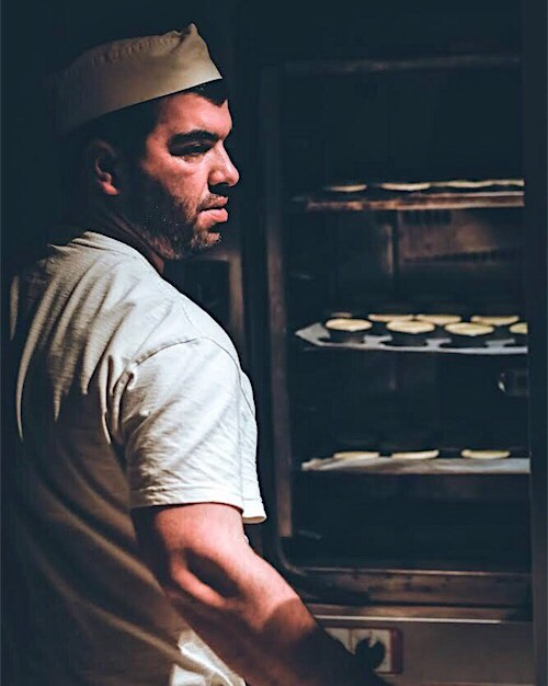 "This is our ""Master of Pastel"" at work. Every night he bakes hundreds of delicious pastéis for you. #heroesofthenight #bekarei . . . #nightworker #behindthescene #welovewhatwedo #pastel #pastéis #pasteldecoco #pasteldenoz #portugeusepastry #heros #bakers #bakery #thebakers #thefeedfeed #thebakerslife #berlinlovescreativity #kitchenbowl #huffposttaste #tastingtable #buzzfeed #foodpics #feedyoursoull #berlinfoodie #foodberlin #berlinfoodstories #bekabuns #foodlove #portuguesefood #bakedgoods"