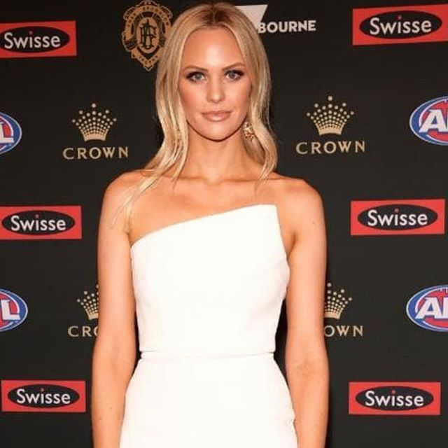 🔹P R E P🔹  Flawless skin is the only accessory you need. Elegant & beautiful @jules_clark at Brownlow Medals last night. Skin by our very own Ash @theskincatalyst, Senior Dermal Therapist @cocoskinclinic 📷 @newscomauhq