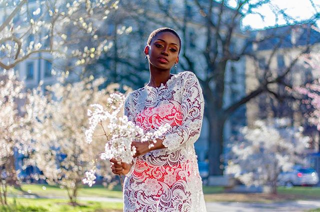 Who said a wedding dress has to fit in a box? We love the way @m.kwayave has done it again and put together this amazing ensemble with some unexpected twists. Hot pink for your Geneva springtime, anyone? #howtowearit . . . . . . . . . . #ruevautier #bridal #robedemariée #abitodasposa #specialoccasiondress #hotpink #springflowers #slowfashion #localproduction #swissmade #swissdesign #genevabrand #genevashopping #lacollectivegeneva #beauty #style #ootd #whattowear #blogeusemode  #laplusbelle #swissbrand