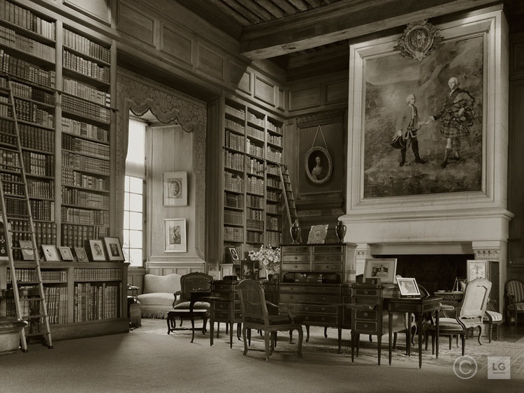 Library at Château de Serrant