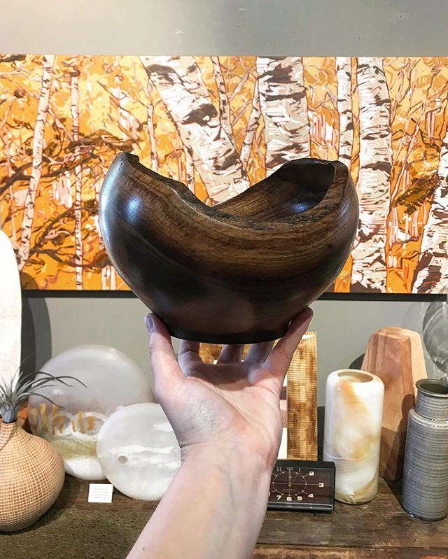 Beautiful new work from Bill Hilbrandt. Like all his other work this black walnut raw edge bowl is hyperlocal, sourced trees grown within 30 miles of his Michigan home.⠀ .⠀ .⠀ .⠀ #blackwalnut #makersgonnamake #michiganmade #ecofriendly #makersmovement #wooden #madebyhand #inspiredbynature #handcarved #designermaker #contemporarycraft #naturalmaterials #woodenbowl  #finecraft #woodcarvings #realcraft #woodenware  #thenewwoodculture #bowlcarving #woodworking #woodcarving #rawedge #lafontseeboutique #wooddecor #walnutbowl #woodbowl