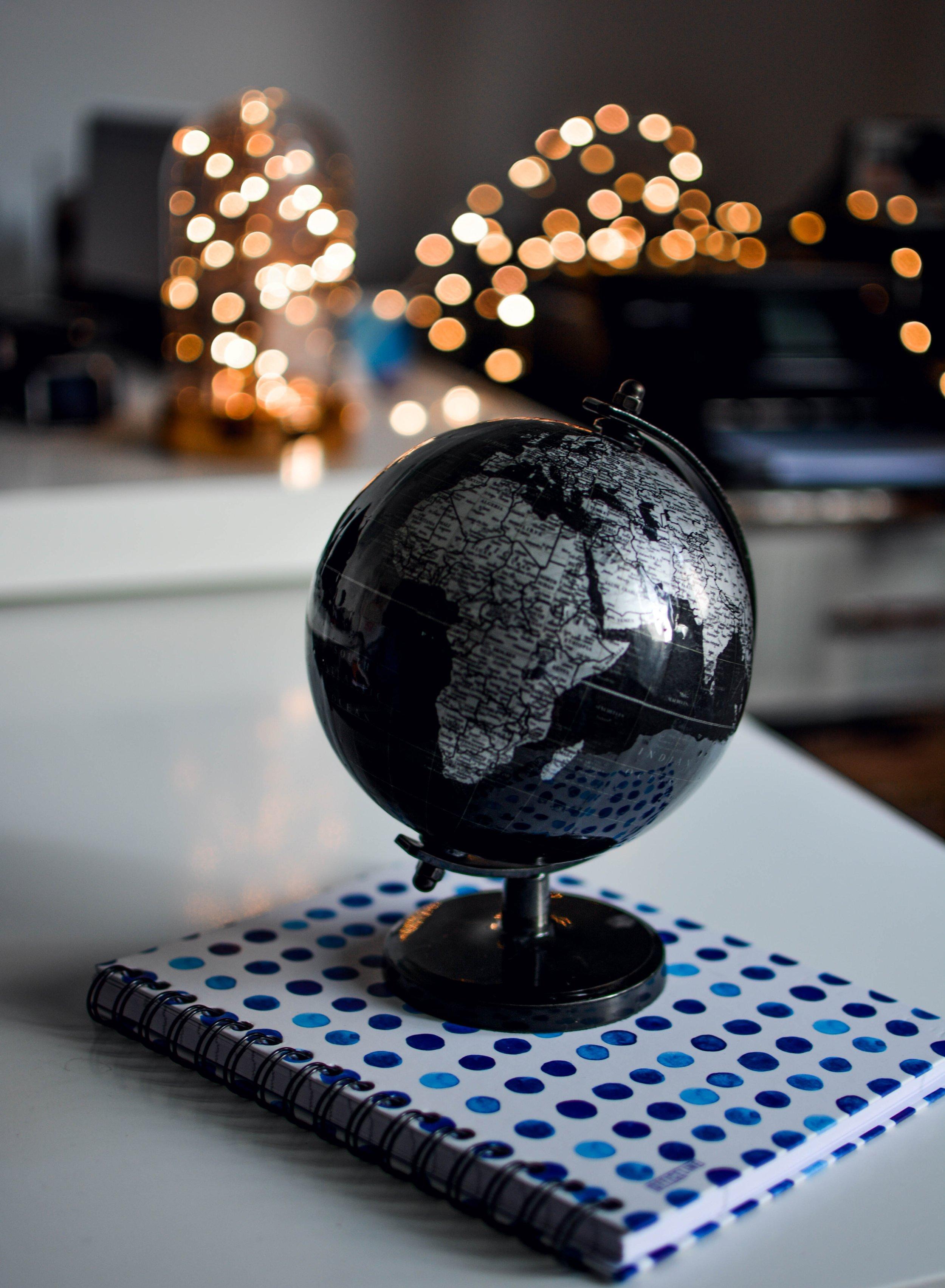 education-globe-indoors-1236421.jpg