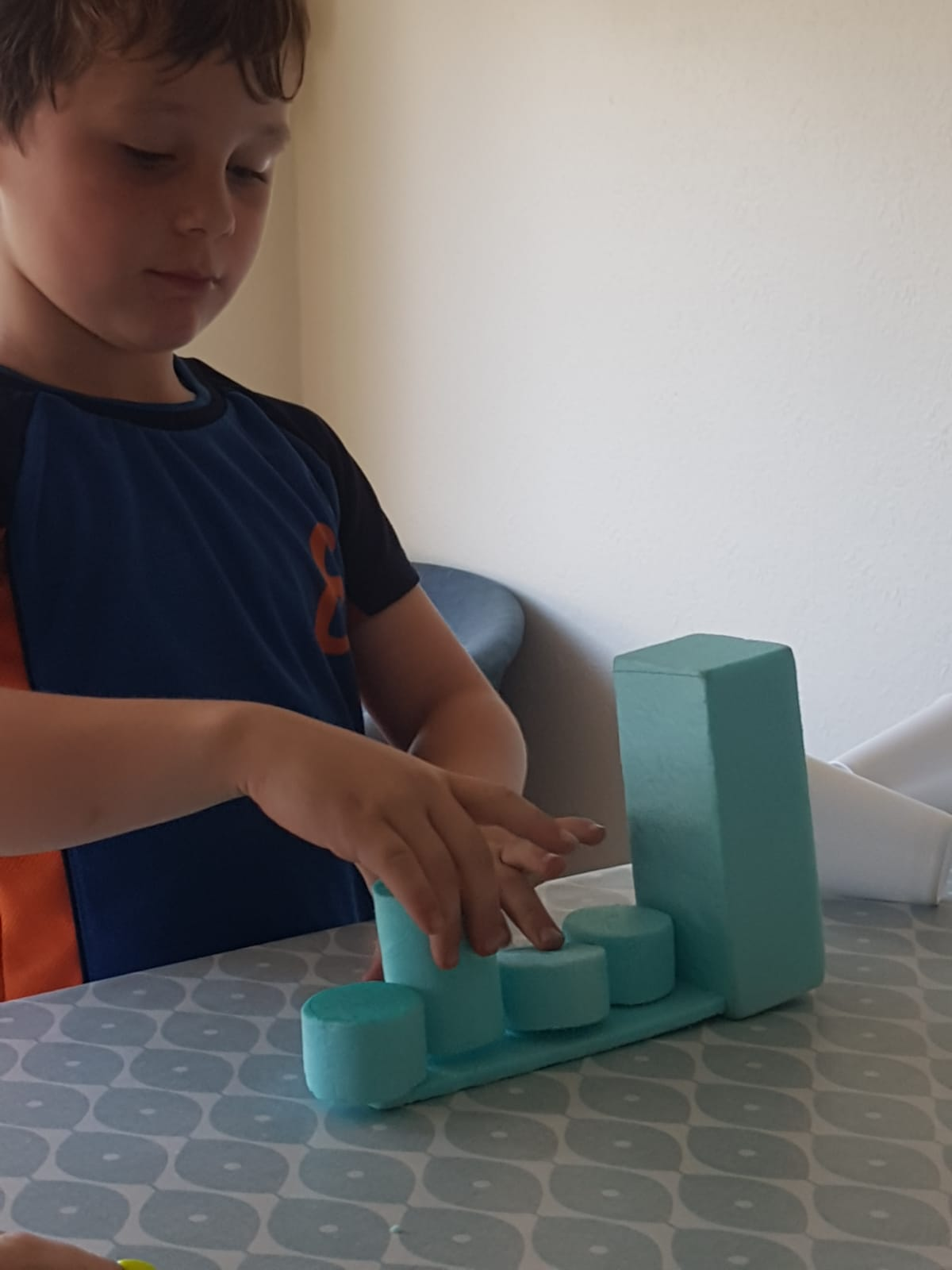 Test 3: Tangible messaging blocks or toys?