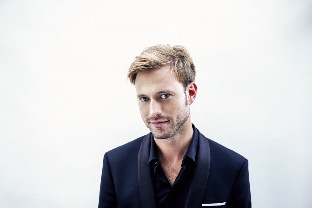 Benjamin Appl 2 courtesy of Lars Borges_Sony Classical.png