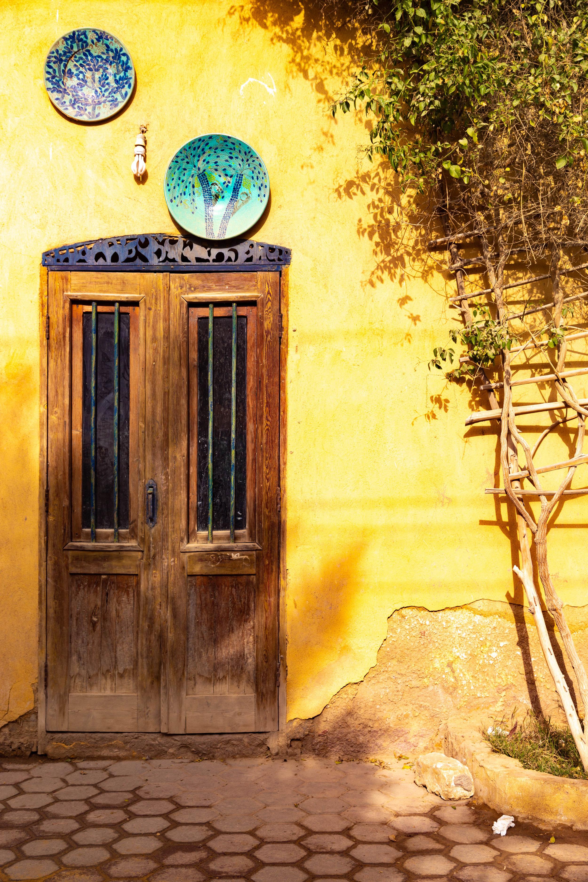 A charming doorway in Tunis Village