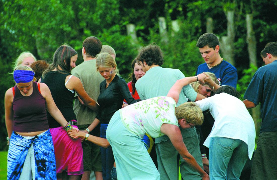 Seminar-Camp-Twisting-Game---Sweden-2002-Photo-by-Jesper-Karlqvist-CISV.jpg