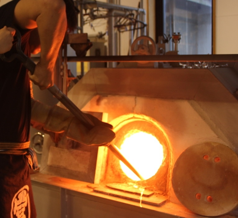 Ladling glass from furnace