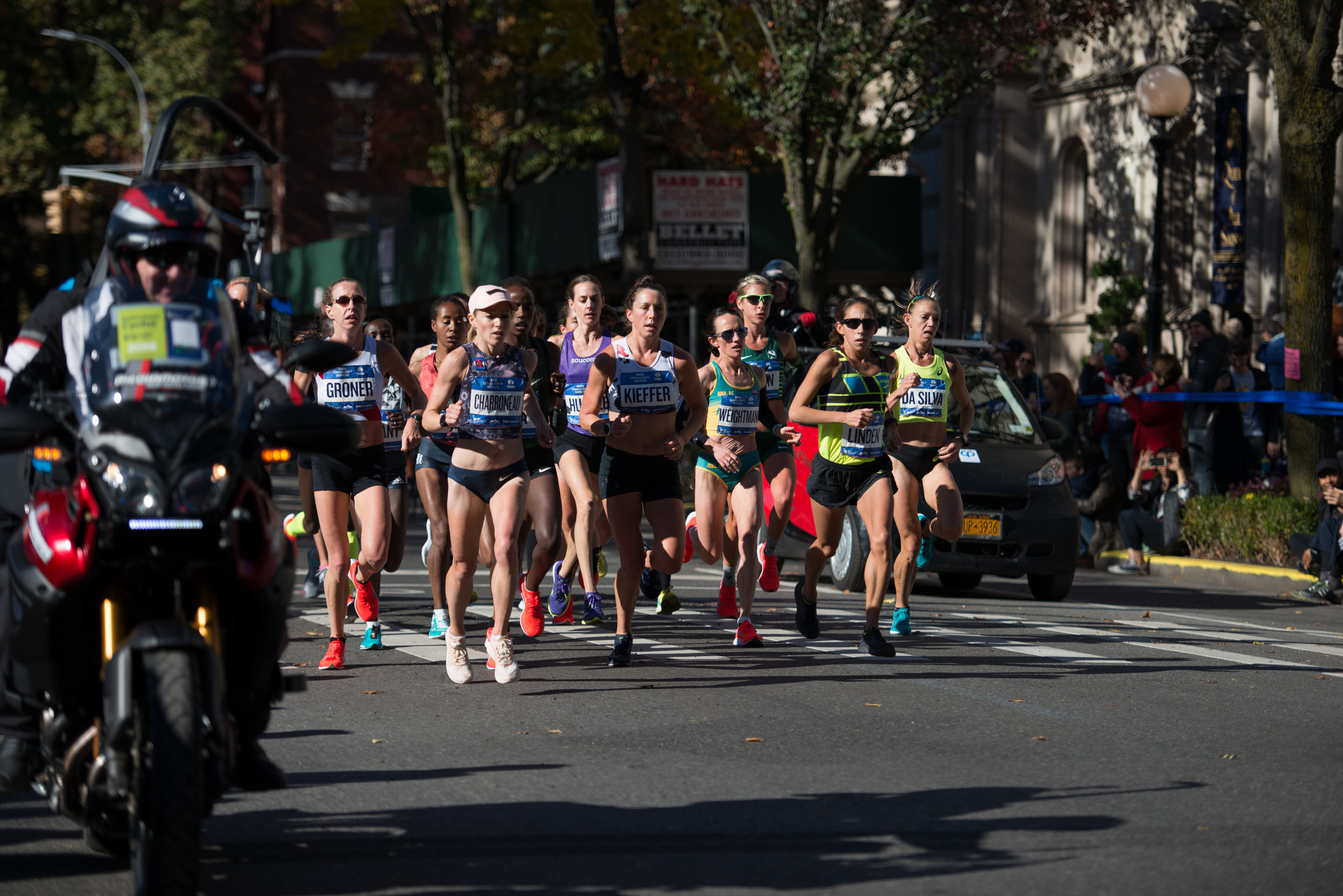 Kieffer at the front of the lead pack in Brooklyn at the 2018 TCS New York City Marathon.