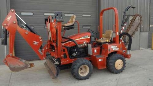 Ride-On Trencher, Ditch-Witch RT45 With Backhoe Attatchment