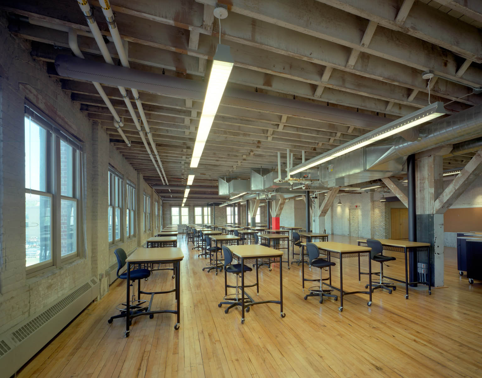 Studio space-Courtesy of Michael Burns Architects and Saari and Forrai Photography.jpg