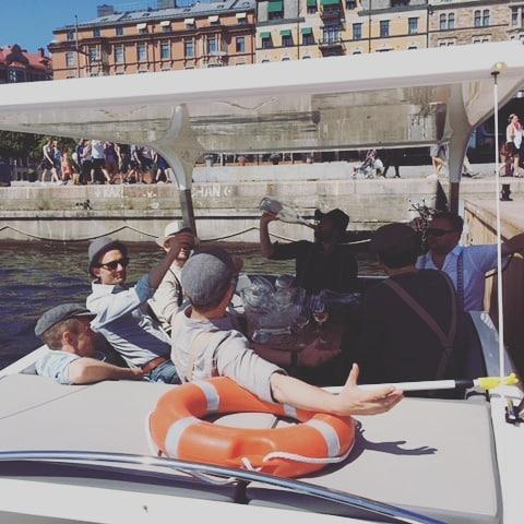 Time for friends!  #stockholm #visitstockholm🇸🇪 #greendreamboats #solliner #stockholmfood #touriststockholm
