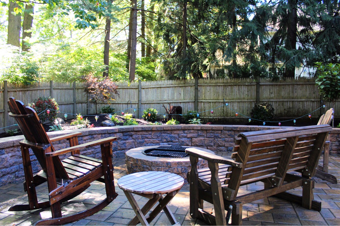 Techo bloc patio, sitting wall & fire pit
