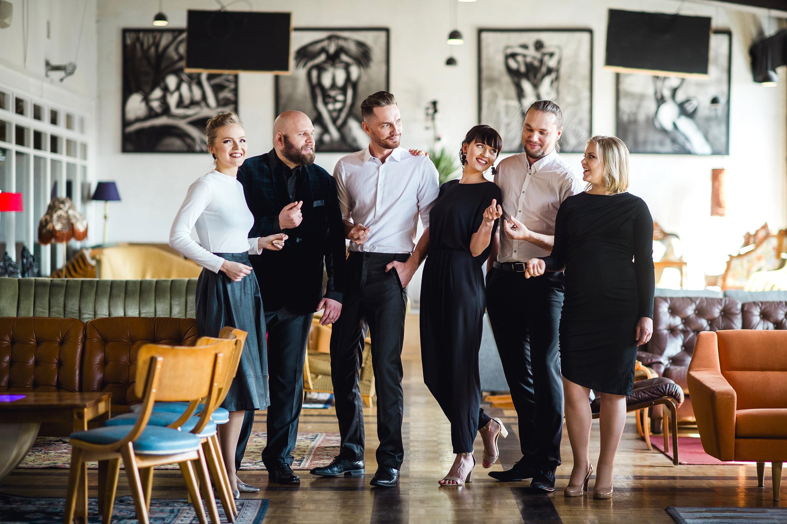 Estonian Voices - . . .