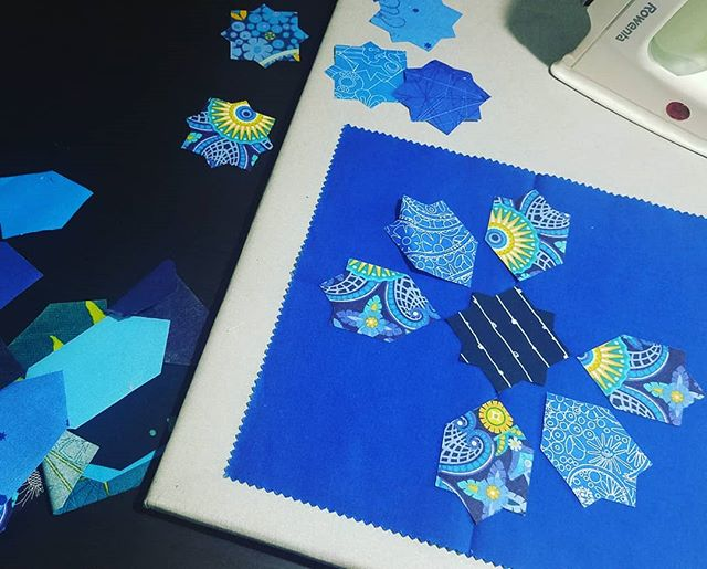 Currently working with some scrap shapes and wishing I had cut more of these a year ago! Back to the cutting board I guess *grumble grumble* #quiltingismybliss #quiltlove #alisonglassfabric #karenlewistextiles #konacotton