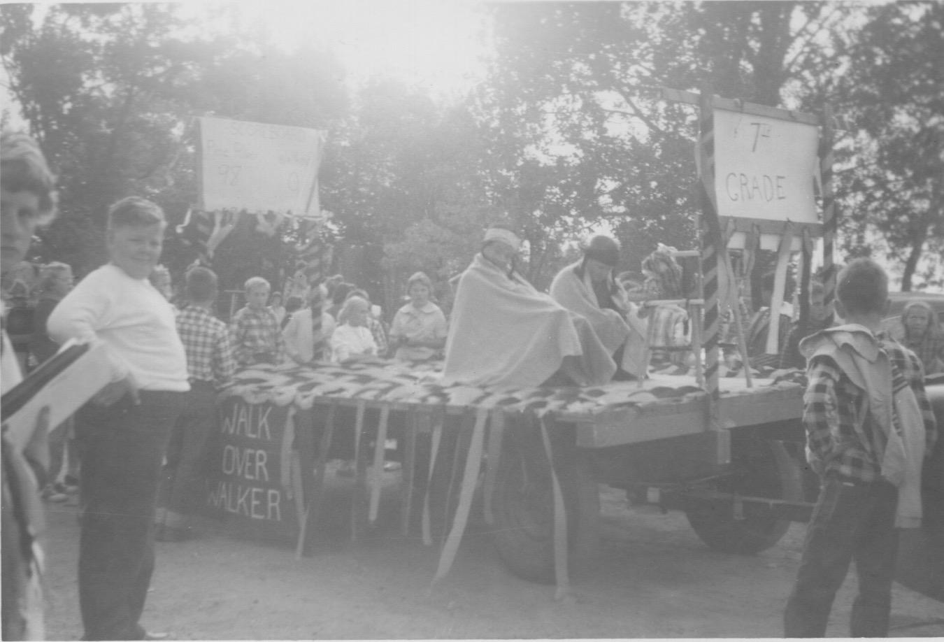 001.Homecoming Parade.1961.jpeg
