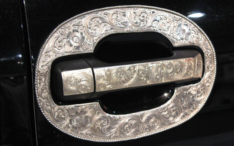 Custom silver handle - detail