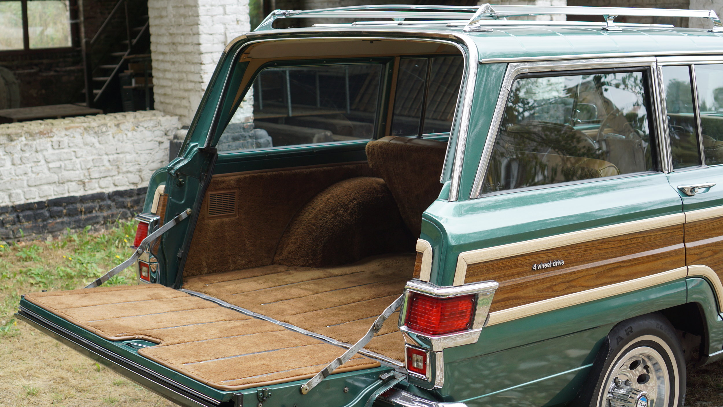 Jeep Wagoneer Limited Royal
