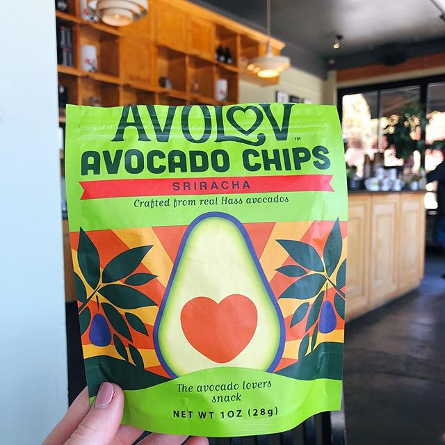 Sometimes it's nice to work with a change of scenery, but we always have these close by! ⠀⠀⠀⠀⠀⠀⠀⠀⠀⠀⠀⠀ ⠀⠀⠀⠀⠀⠀⠀⠀⠀⠀⠀⠀ ⠀⠀⠀⠀⠀⠀⠀⠀⠀⠀⠀⠀⠀⠀⠀⠀⠀⠀⠀⠀⠀⠀⠀⠀ ⠀⠀⠀⠀⠀⠀⠀⠀⠀⠀⠀⠀ #eatavolov #avocadochips #glutenfree #keto #plantbased #vegansofig #foodie #poweredbyplants #instagood #plantbaseddiet #buzzfeast #eatclean #healthy #healthyish #buzzfeedfood #coffeeshop #snack