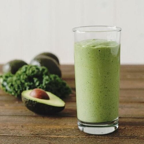 Good fats + Spinach! The best Keto Avocado Smoothie!