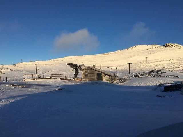 Fresh snow overnight, 5-10+ cms on slopes, drifty. 3 Tbars & Bass