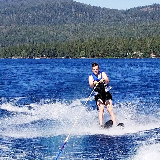 A boat full of pro skiers today! @errdaygeorge shredding across the wake. Fearless and awesome lake tahoe skiing. . Tell us about your favorite memory skiing below! . Never been skiing? DM us so we can get you out on the watsr this summer! . #laketahoe #tahoepowersports #waterski #wakeboarding #waterfun #watersports #boating #boatrental #privateboatcharter #boatlife #laketahoelife