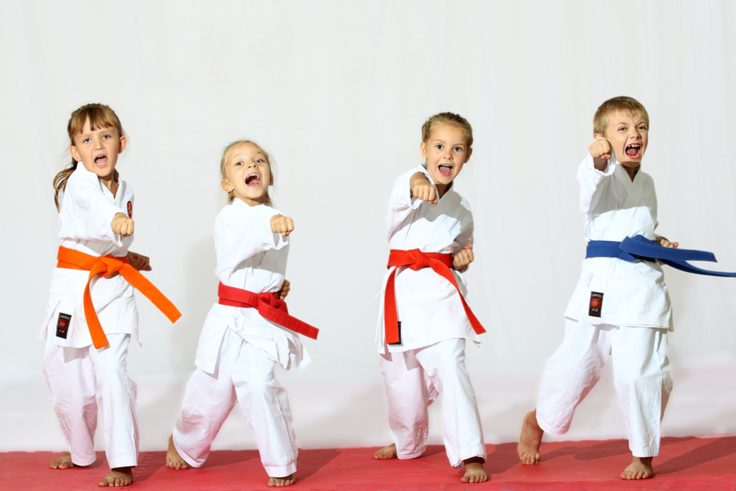 4ab951b7c611c181a30aec29c8f99f0024bad5a8_children-doing-martial-arts.jpg