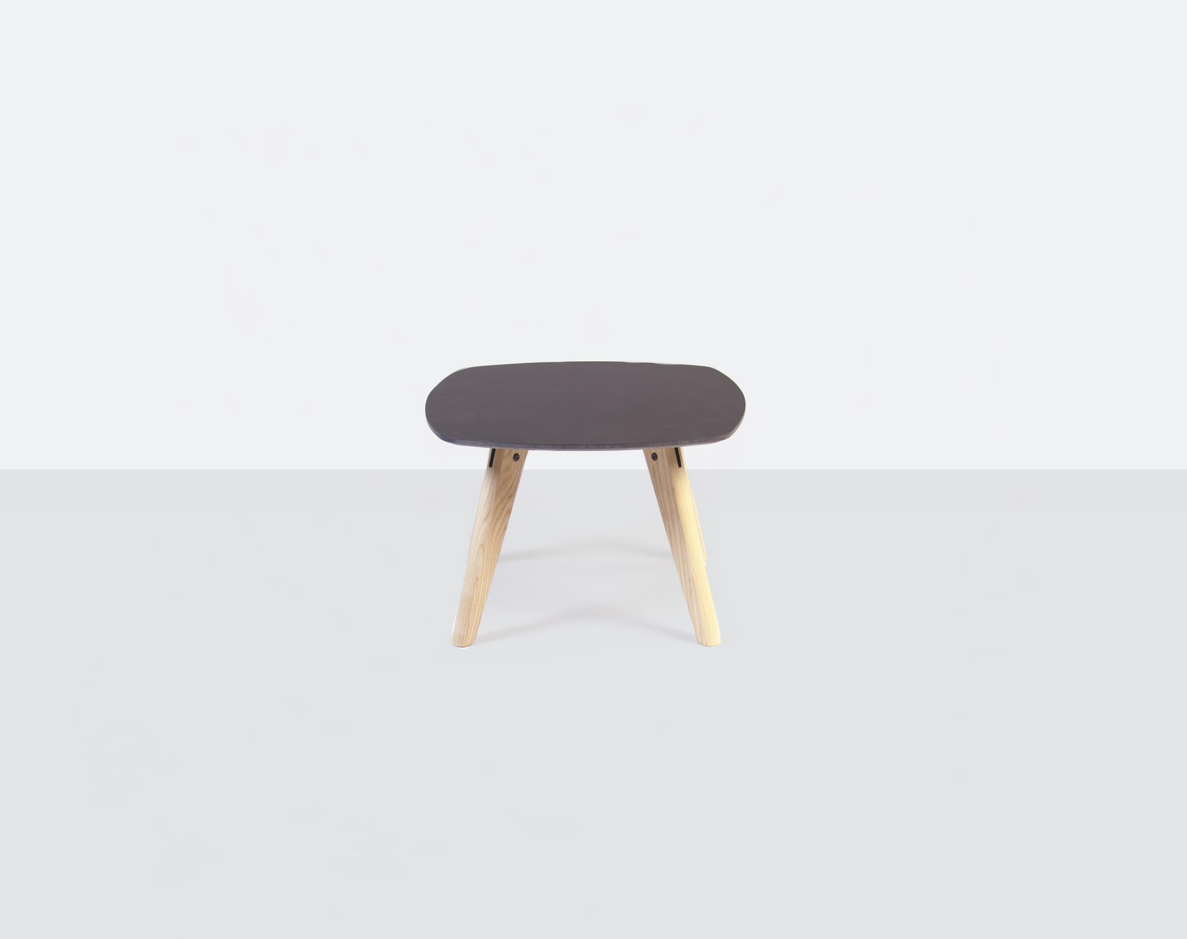Juno-table_small.jpg