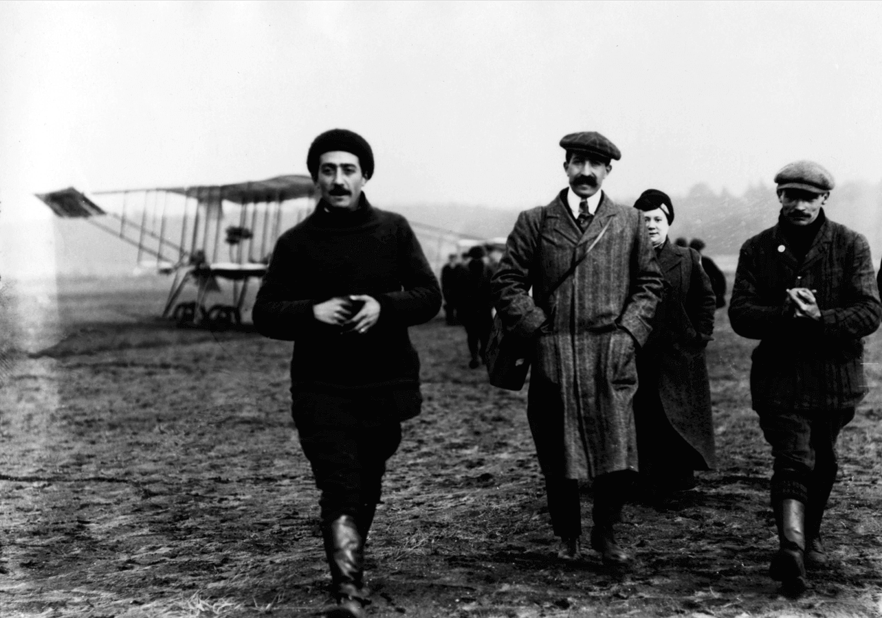 The inaugural Daily Mail London to Manchester air race, 1910. Winner's prize was £10,000