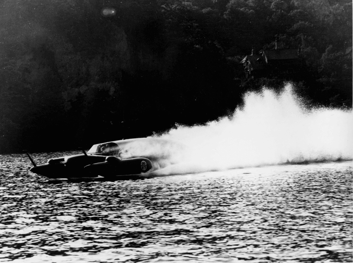 Jet powered Bluebird hits 202mph in 1955