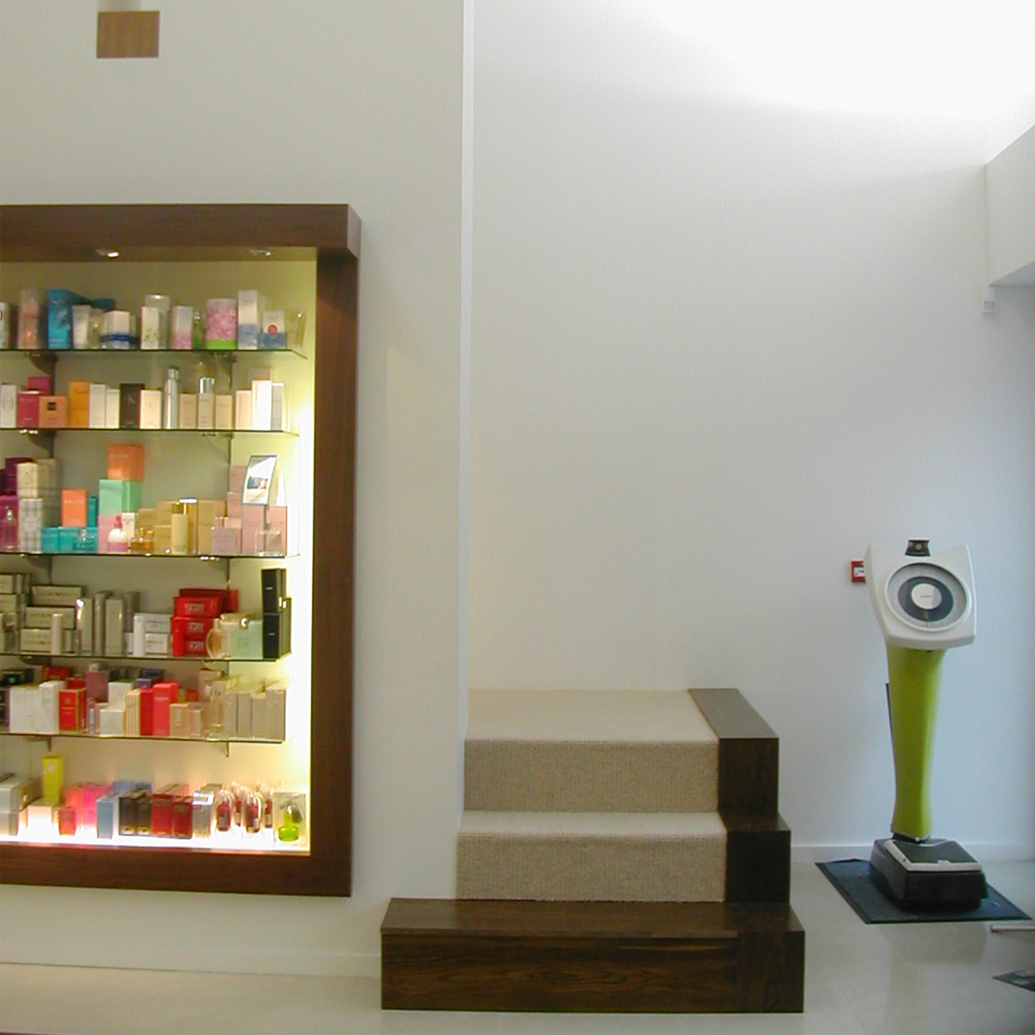 LAVELLE'S PHARMACY