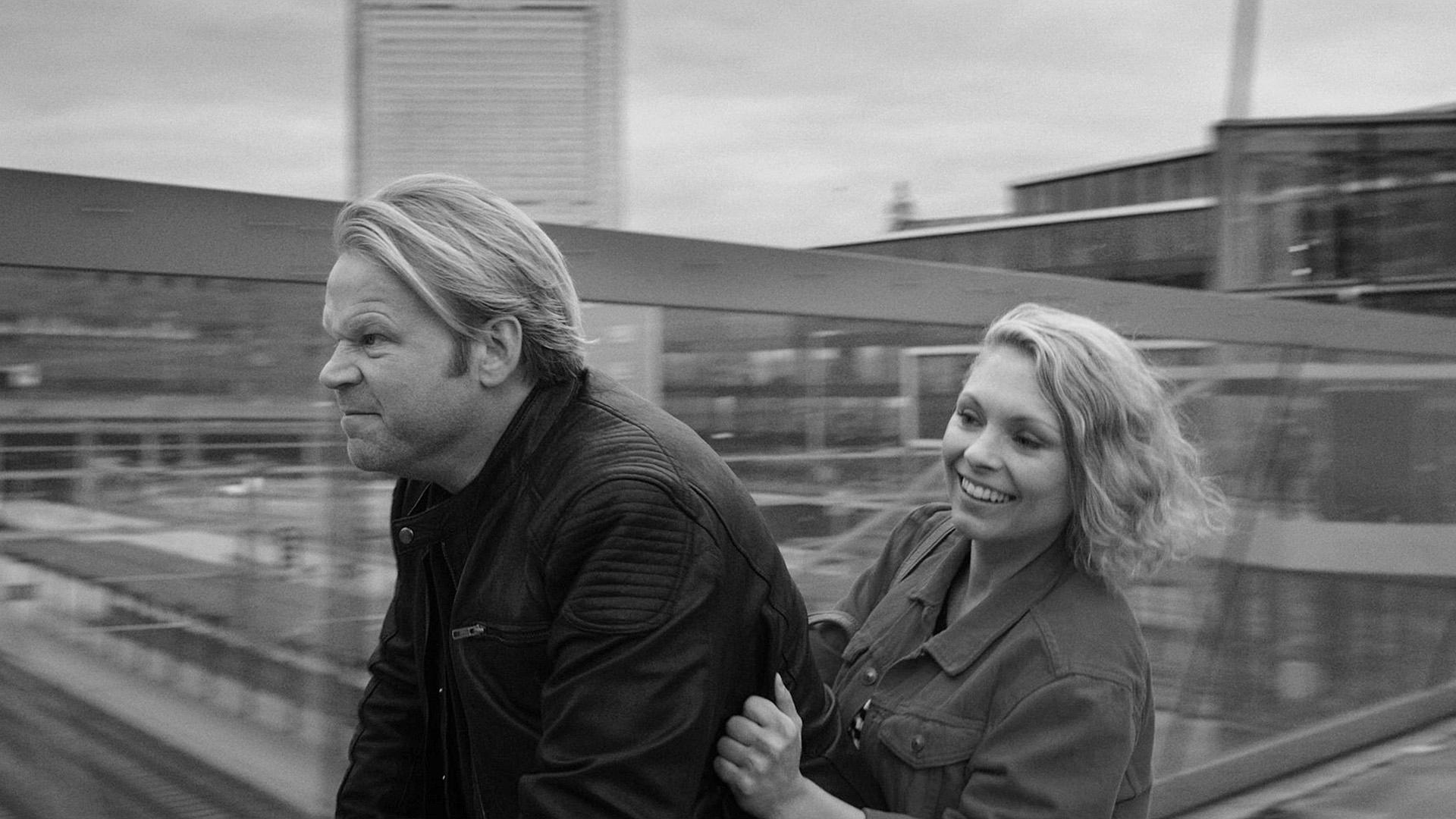 Anders Baasmo Christensen og MyAnna Buring spiller hovedrollene i En natt, som er nominert til beste dramaserie Under Nordiske seriedager.