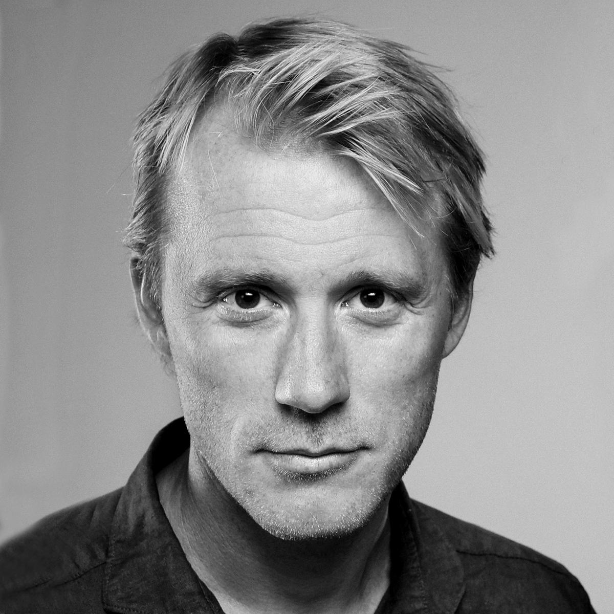 Thorbjørn Harr   No. skuespiller, kjent fra blant annet tv-serien  Vikings . Aktuell med  Kielergata  på TV 2.
