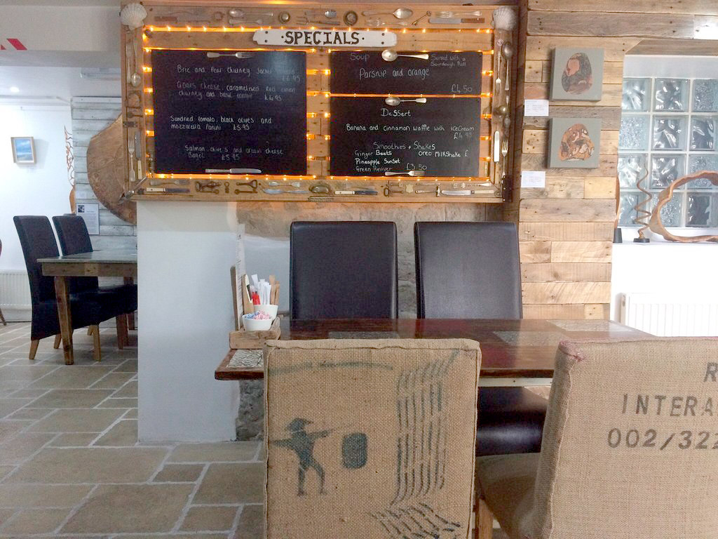 white-stones-dining-area-photo-cafe-art-gallery-portland-dorset.jpg