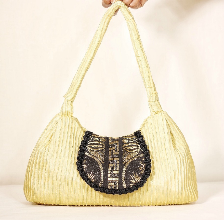 diy-pale-yellow-one-strap-handbag.jpg