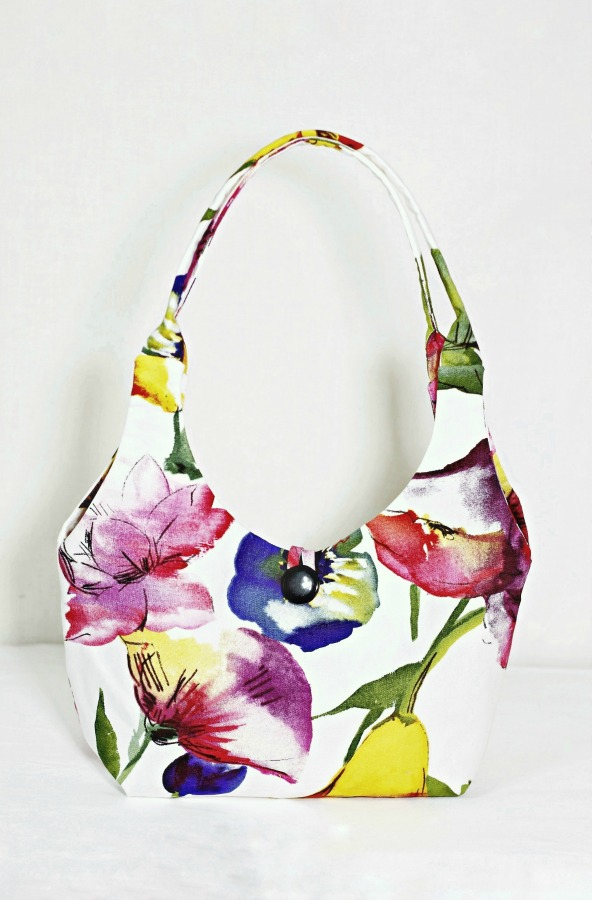 Above:  Step into spring or summer sporting a DIY floral handbag : Made from cotton drapery fabric.