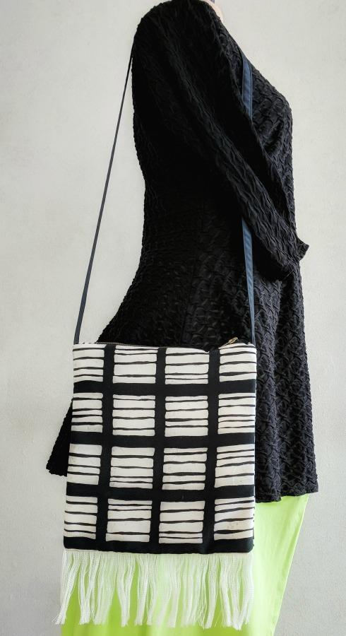 black-white-shoulder-bag-fringe-trim.jpg