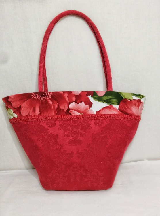 red-floral-trim-trapeze-tote.jpg